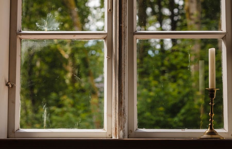 Use Vinyl Replacement Windows In The Place Of Wooden